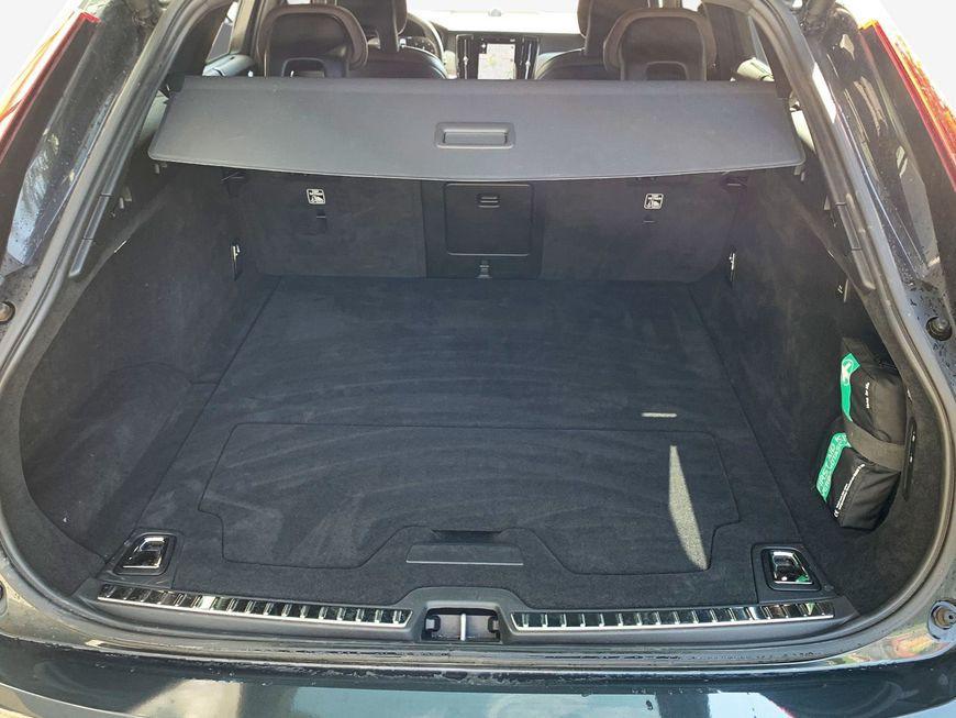 Volvo V90 Cross Country D5 AWD Geartronic Pro in Savile Grau-Metallic